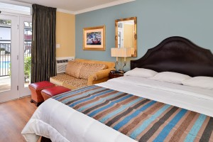 Marina Village Inn: 1 King Bed with Double Sofa Bed